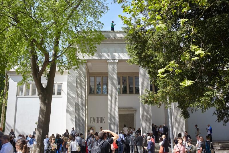 Olaf Nicolai, GIRO, German Pavilion Biennale Venedig 2015. Photo: Manuel Reinartz. VG Bildkunst