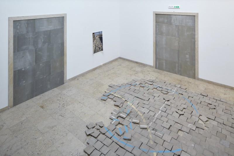 Jasmina Metwaly / Philip Rizk Draw It Like This Installation shot: Manuel Reinartz. Courtesy Jasmina Metwaly & Philip Rizk, 2015
